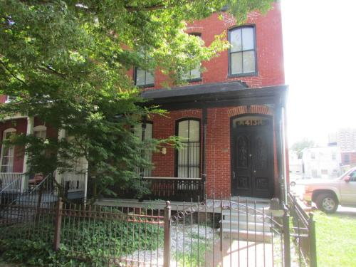 413 W Marshall Street Photo 1