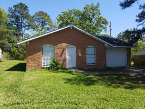 1037 Anderson Drive Photo 1