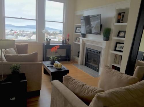 Roommated Wanted In Shared Appt: Remodeled Top ... Photo 1