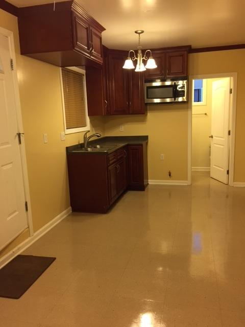 Enjoyable 12523 Adelphia Avenue Apt Guest House San Fernando Ca Home Interior And Landscaping Palasignezvosmurscom