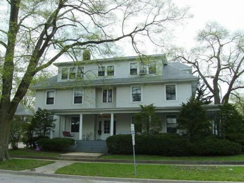301 E Washington Street #5 Photo 1