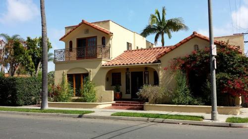 4815 E Vista Street Photo 1