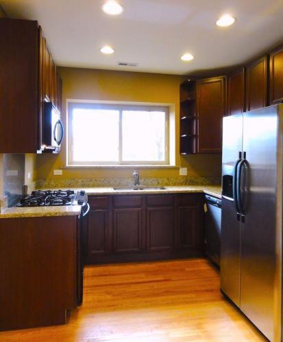 7226 N Rogers Avenue Photo 1