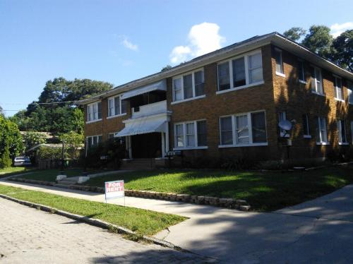 4015 N Seminole Avenue #8 Photo 1