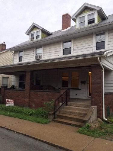 537 Turnpike Street Photo 1