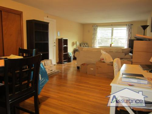 Updated 1BR w/ Heat/hot water included! SS and ... Photo 1