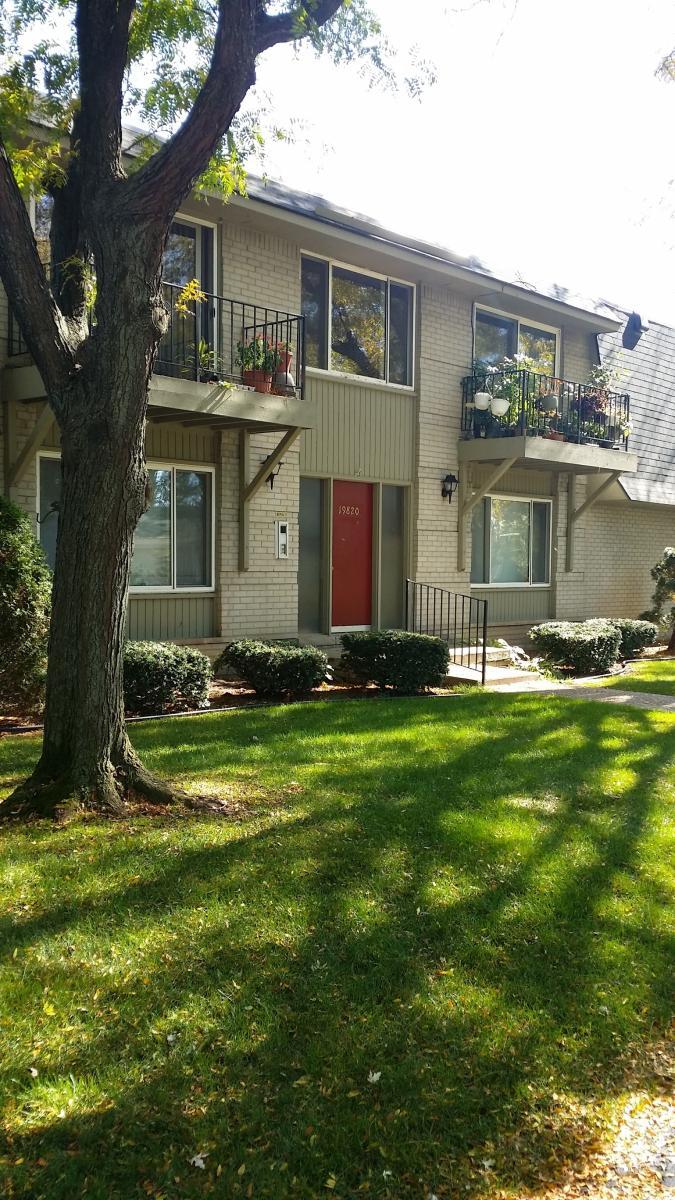 Apartment Unit 25 At 19820 W 12 Mile Road Southfield Mi 48076 Hotpads