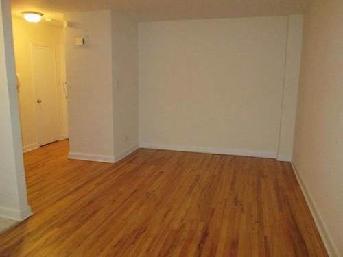 Studio/1Bath_Hardwood Floors_Transportation J T... Photo 1