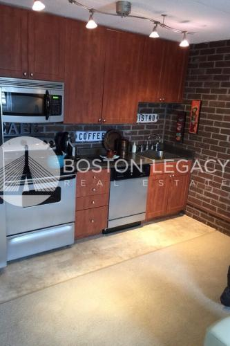 Modern MetroWest Studio, Loaded with Amenities! Photo 1