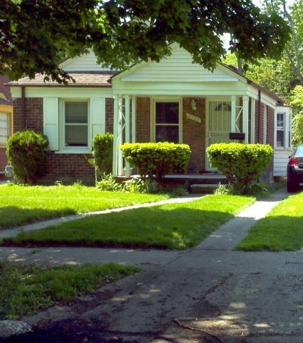 12109 Vaughan Street Photo 1