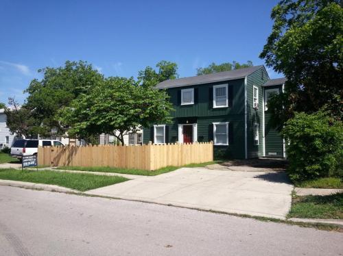 435 Eleanor Avenue Photo 1