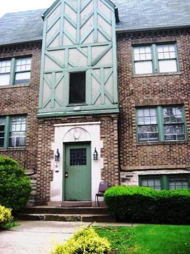 5534 Phillips Avenue #4 Photo 1