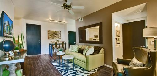 Urban Contemporary 1 Bed Unit In North Paradise... Photo 1
