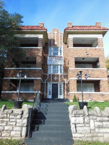 524 Benton Boulevard #12 Photo 1