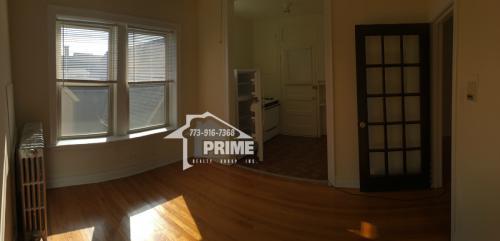 Bright top floor 1 bedroom 1 bath apartment in ... 3 Photo 1