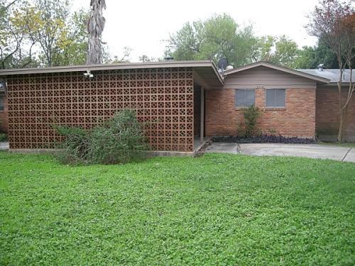 2716 Woodbury Drive Photo 1