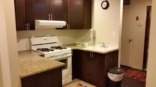 2 bed, $2,300 Photo 1