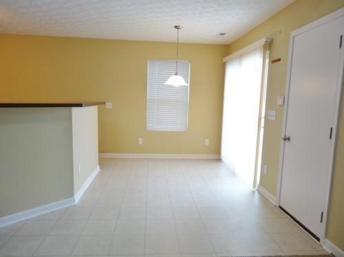5586 Spring River Avenue Photo 1