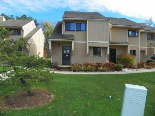 2666 Ridgecroft Drive SE Photo 1