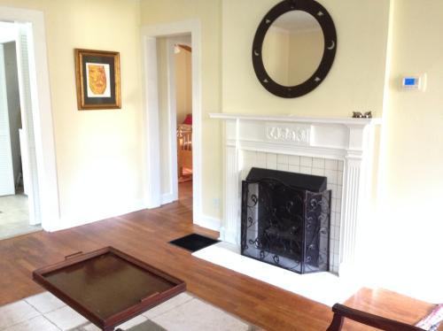 2 Miles From Decatur - Completely Furnished Hou... Photo 1