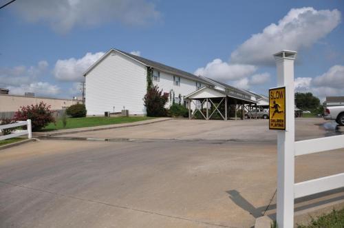 N Range Line Road Photo 1