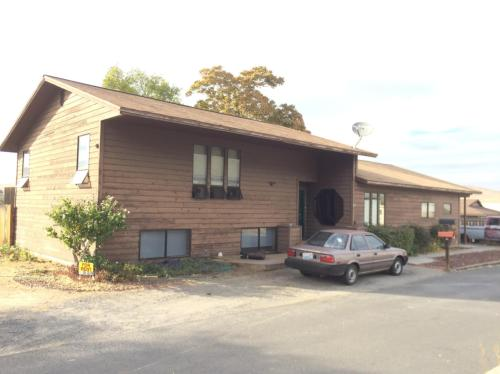 319 Nob Hill Drive Photo 1