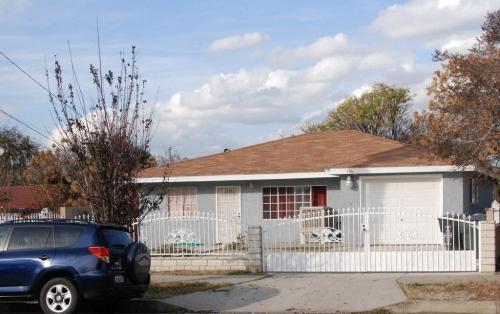 606 W Western Avenue Photo 1