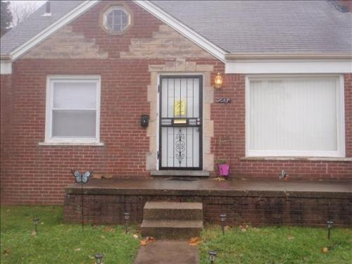 175 W Brentwood Street Photo 1