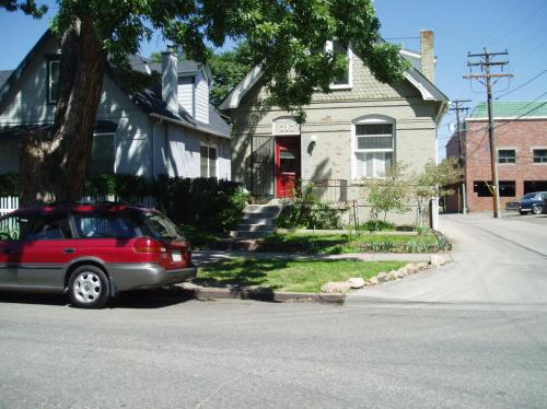 717 E 1st Avenue #HOUSE Photo 1