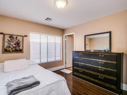 5905 N 133rd Avenue Photo 1