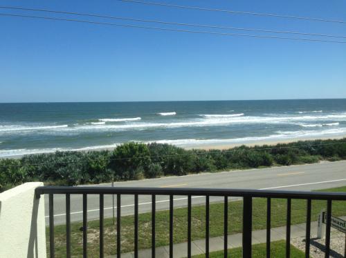 cean front Direct Ocean view 2 Bed room, 2 Bath... Apt 305 Photo 1