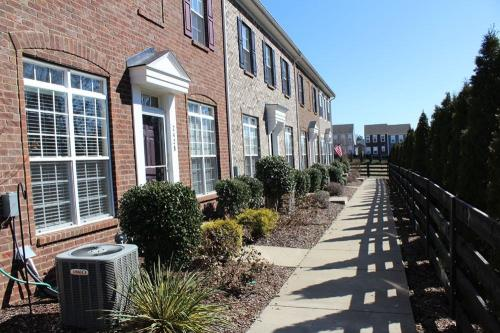 2428 Anson Lane #TOWNHOUSE Photo 1