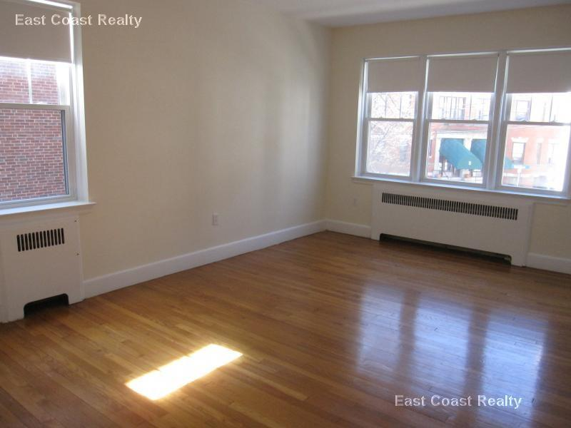 Great No Fee 1 Bedroom near Cleveland Circle an... Apt 5 Photo 1