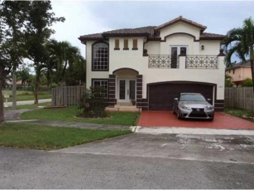 17607 SW 146th Ave Photo 1