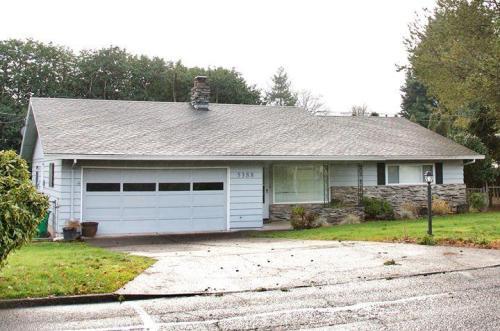 5388 SE Oakland Avenue Photo 1