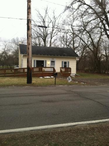 2506 Lathrop St HOME Photo 1