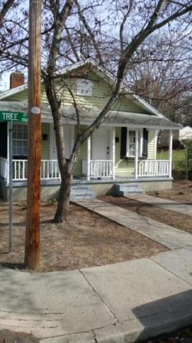1006 Tree Street #C Photo 1