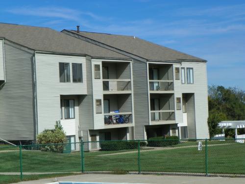 4552 Hunters Ridge Drive SE Photo 1