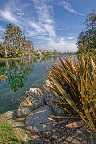 2 Laketrail Cove Photo 1