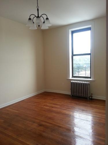 Recently renovated 1 bedroom apartment in Flatbush Photo 1
