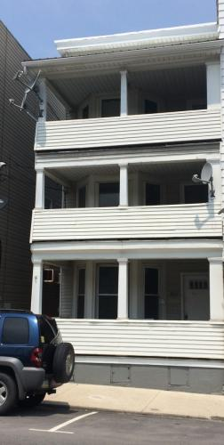 3BR Apartment in the Heart of Lansford Photo 1