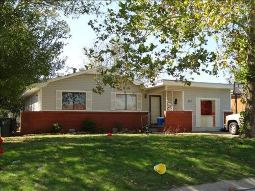 810 E Hayes Street Photo 1