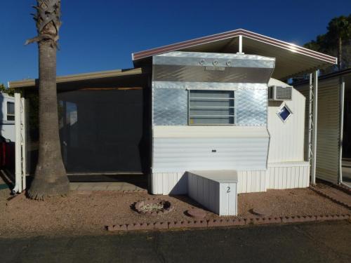 1050 S Arizona Boulevard #2 Photo 1
