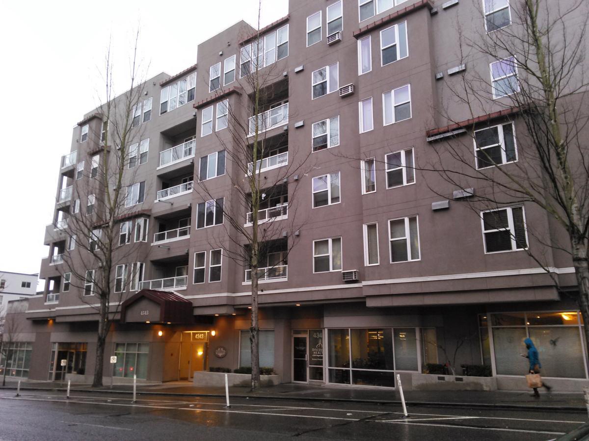 Building 4343 Roosevelt Way Ne La Terraza
