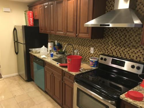 2 bed, $1,400 Photo 1