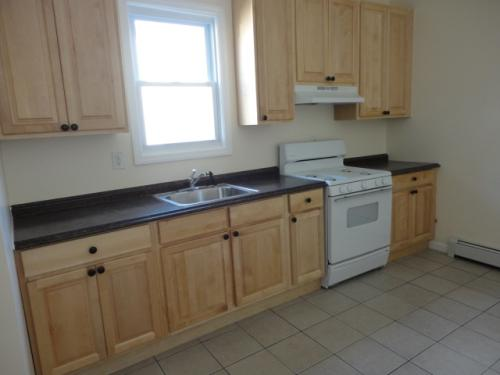 NO FEE! *Beautiful*, MODERN and in perfect cond... Photo 1