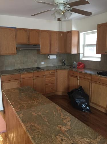Huge 3 Bed Condo Style For Rent On 15th Ave Photo 1