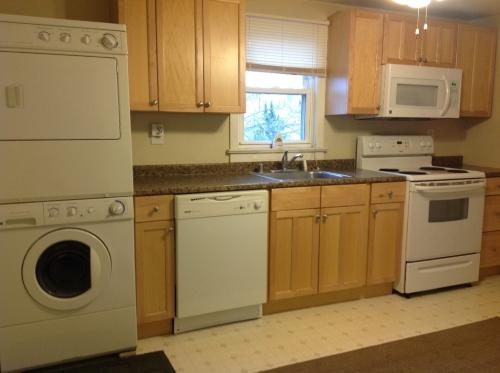 2-Bdr Apt * Available 6-1-16 * Ridley Township Photo 1