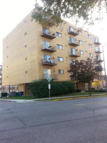 300 Des Plains Avenue Photo 1