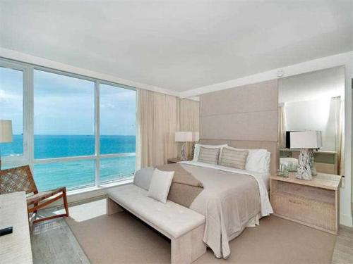 Enjoy Oceanfront Living l 3/3 Condo For RENT Photo 1
